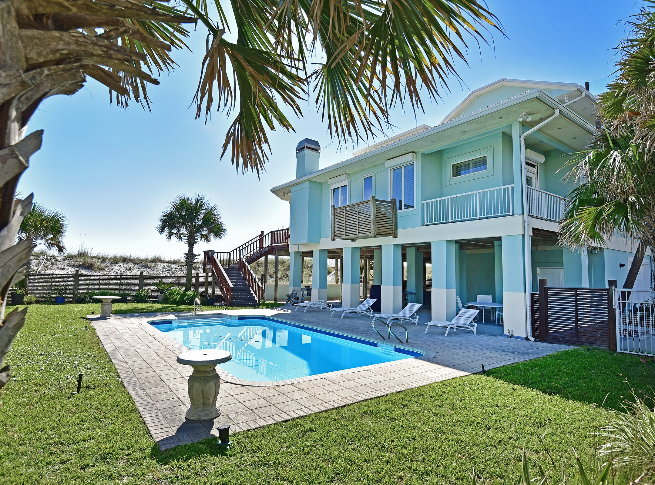 28 Calle HermosaThe Gulf-front pool.