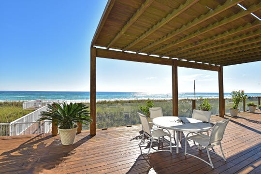 28 Calle HermosaThe Gulf-front deck is perfect for entertaining and relaxing.