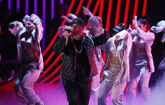 El cantante estadounidense Nicky Jam se presenta durante los XVIII Premios Grammy Latinos el jueves 16 de noviembre de 2017, celebrados en el MGM Grand Garden Arena de Las Vegas, Nevada (EE. UU.).
