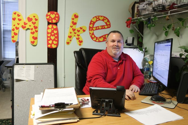 Former city councilman Mike Snider, a lifelong resident of Port Clinton, announced his candidacy for mayor this week.