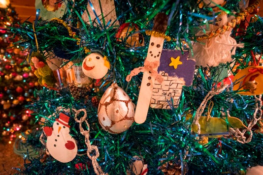 20181205 Algonac Christmas Tree Walk 1018