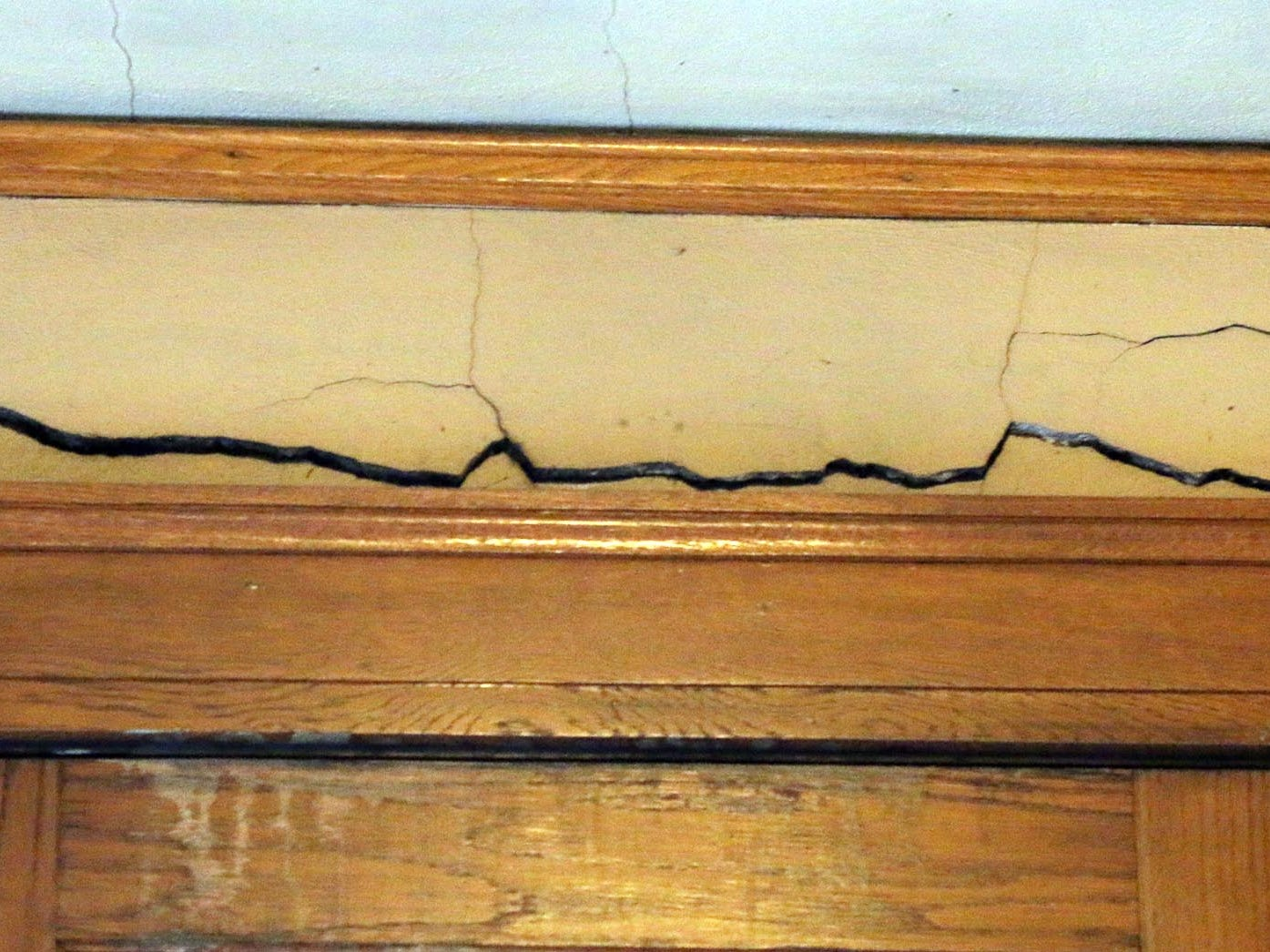 A large crack as seen on the third floor of the City Hall as seen, Thursday October 2, 2014, in Sheboygan, Wis. In 1915, building was to cost $74,584. Another $75,000 was used in finally completing it.  Today the 2018 renovations have a budget of 10.5 million dollars.