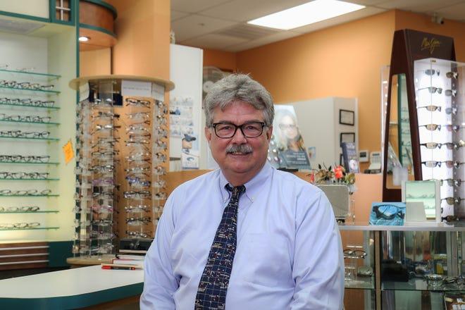 Dan Amyx, board certified optician, ABOC, NCLC, NAO.