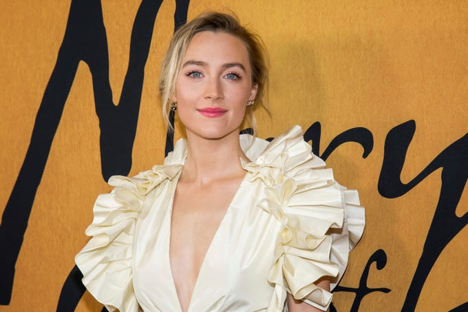 Photos Of Mary Queen Of Scots Stars Saoirse Ronan Margot Robbie