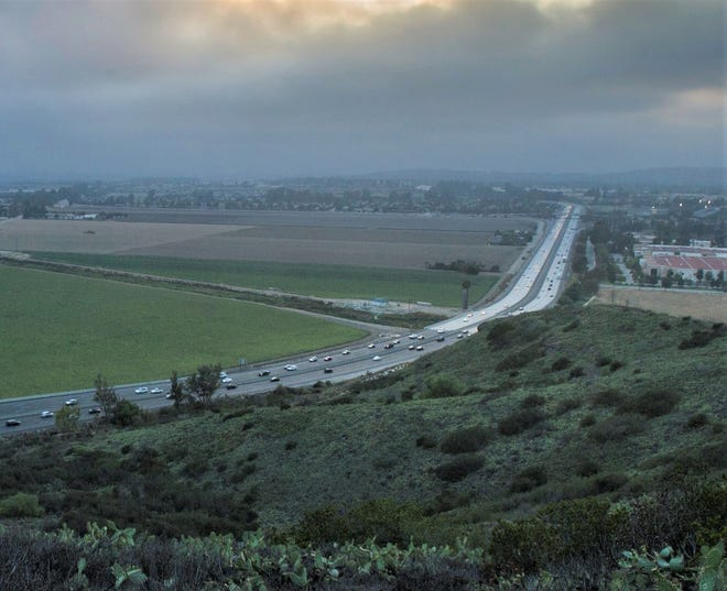 Ventura County's outlook is clouded by four years of nonexistent economic growth and persistent housing problems, economist Matthew Fienup says.