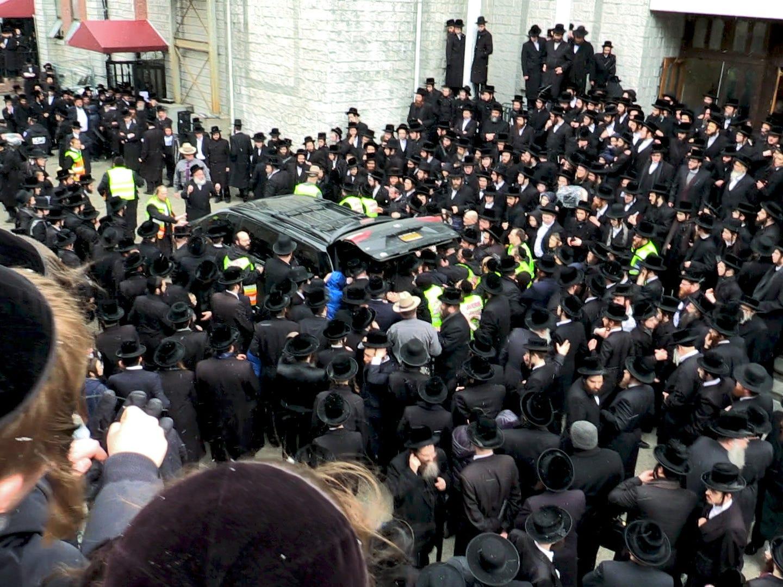 Funeral of Grand Rabbi Mordechai Hager at the Viznitz shul in Kaser March 16, 2018.