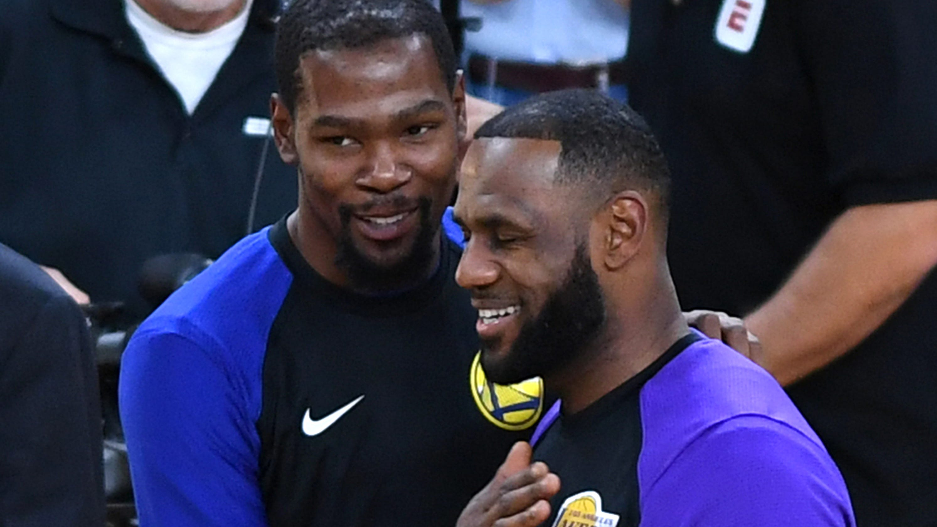 940b5851b LeBron has no response to Durant s  toxic  comments