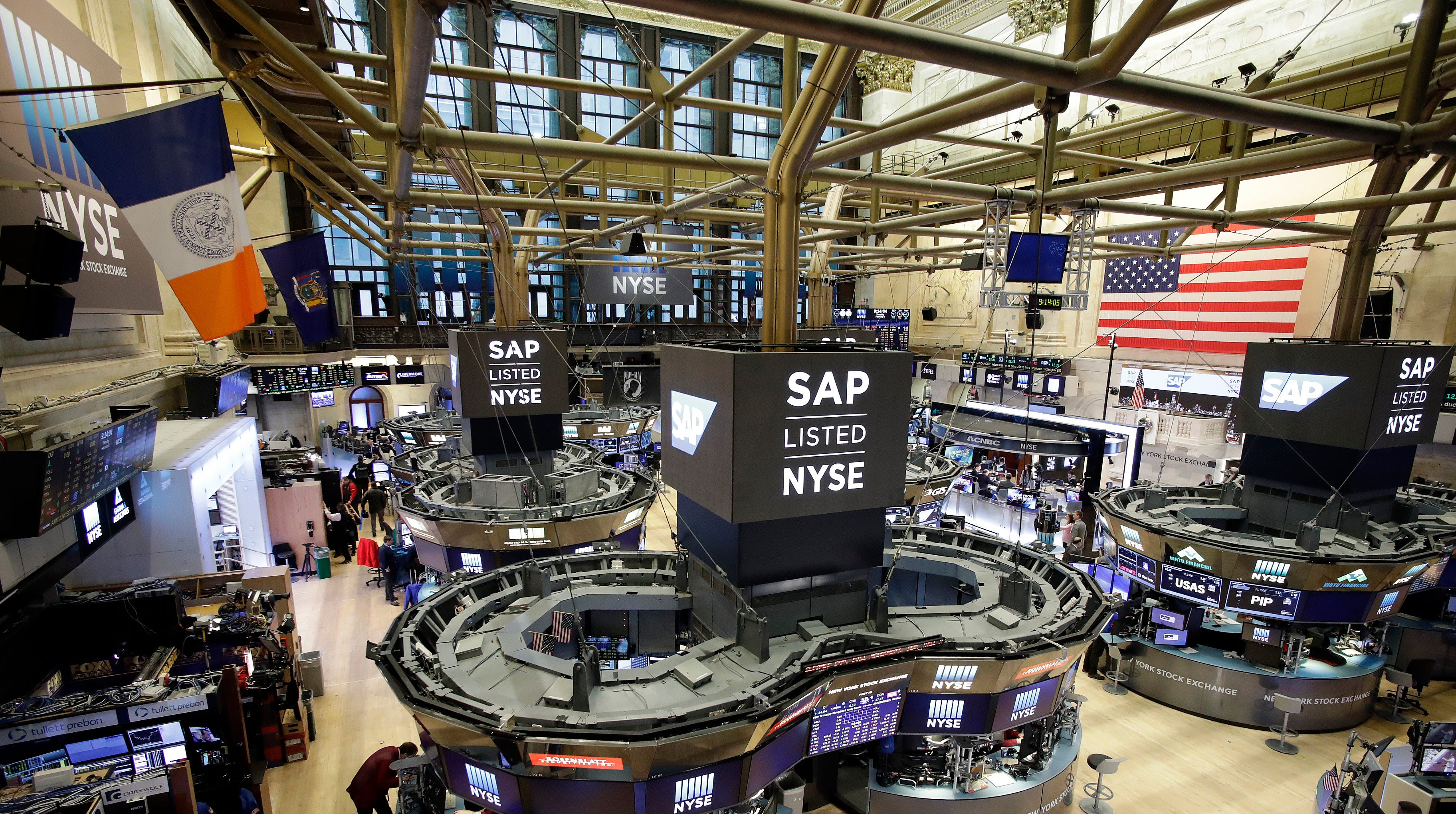 Dow Jones industrial average eyes steep drop at open amid trade fears, oil price worries - USA TODAY thumbnail