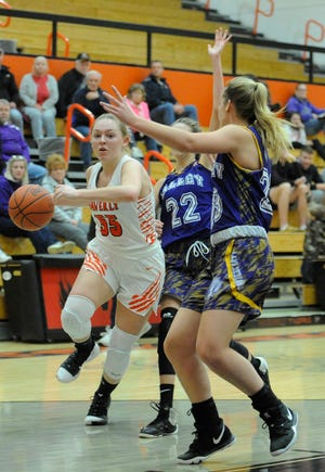 Waverly High School girls basketball defeated West 49-35 on Monday behind Paige Carter's 21 points.