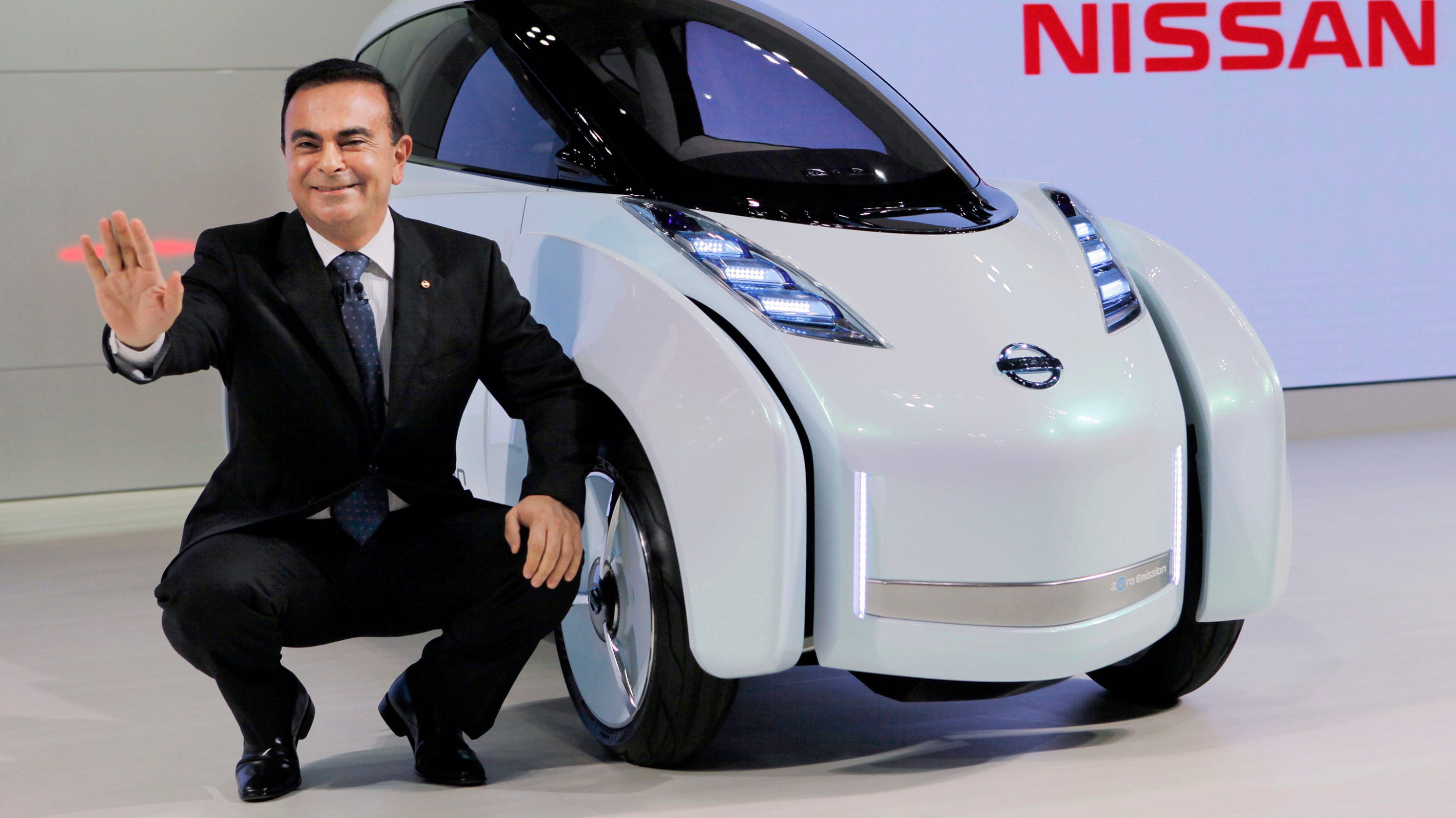 renault nissan spins its wheels as carlos ghosn sits in jail. Black Bedroom Furniture Sets. Home Design Ideas