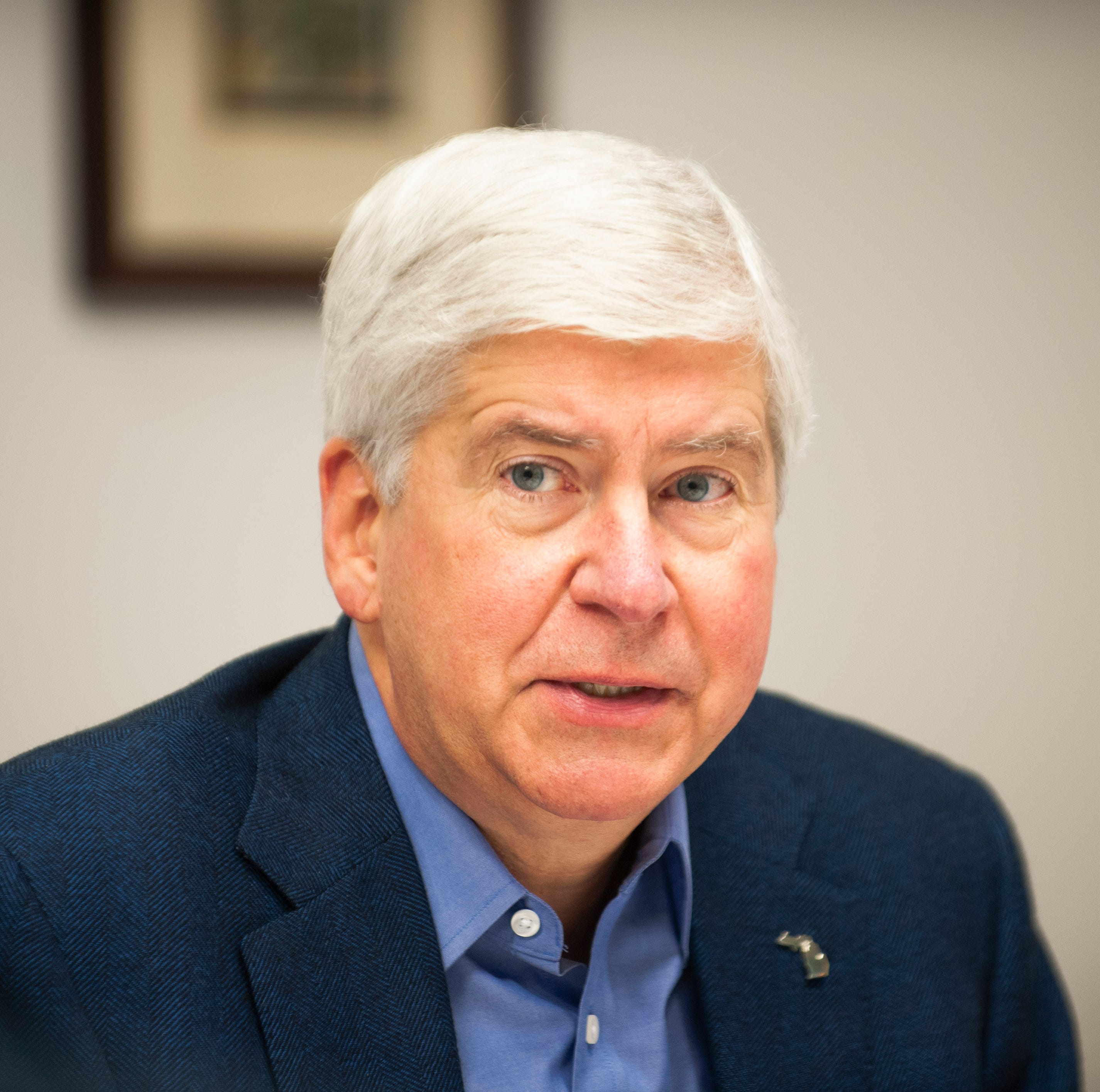 Snyder signs laws weakening minimum wage, paid sick leave initiatives
