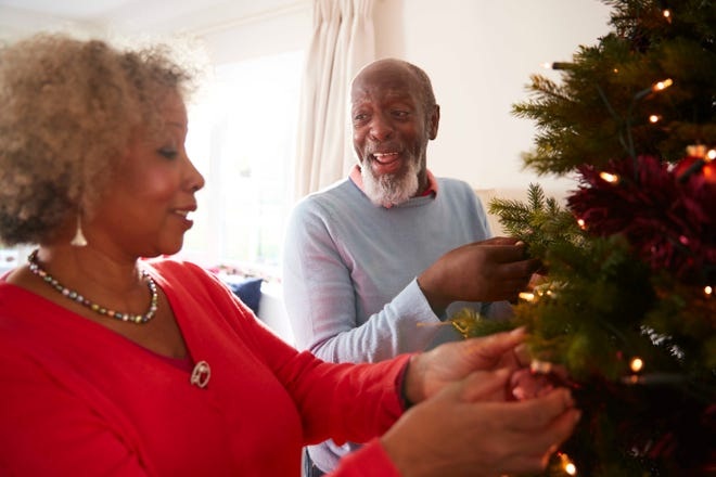 Between visiting with family and friends, holiday feasts, shoveling snow, and all those sales at the mall, make sure that you are taking time to keep your heart healthy.