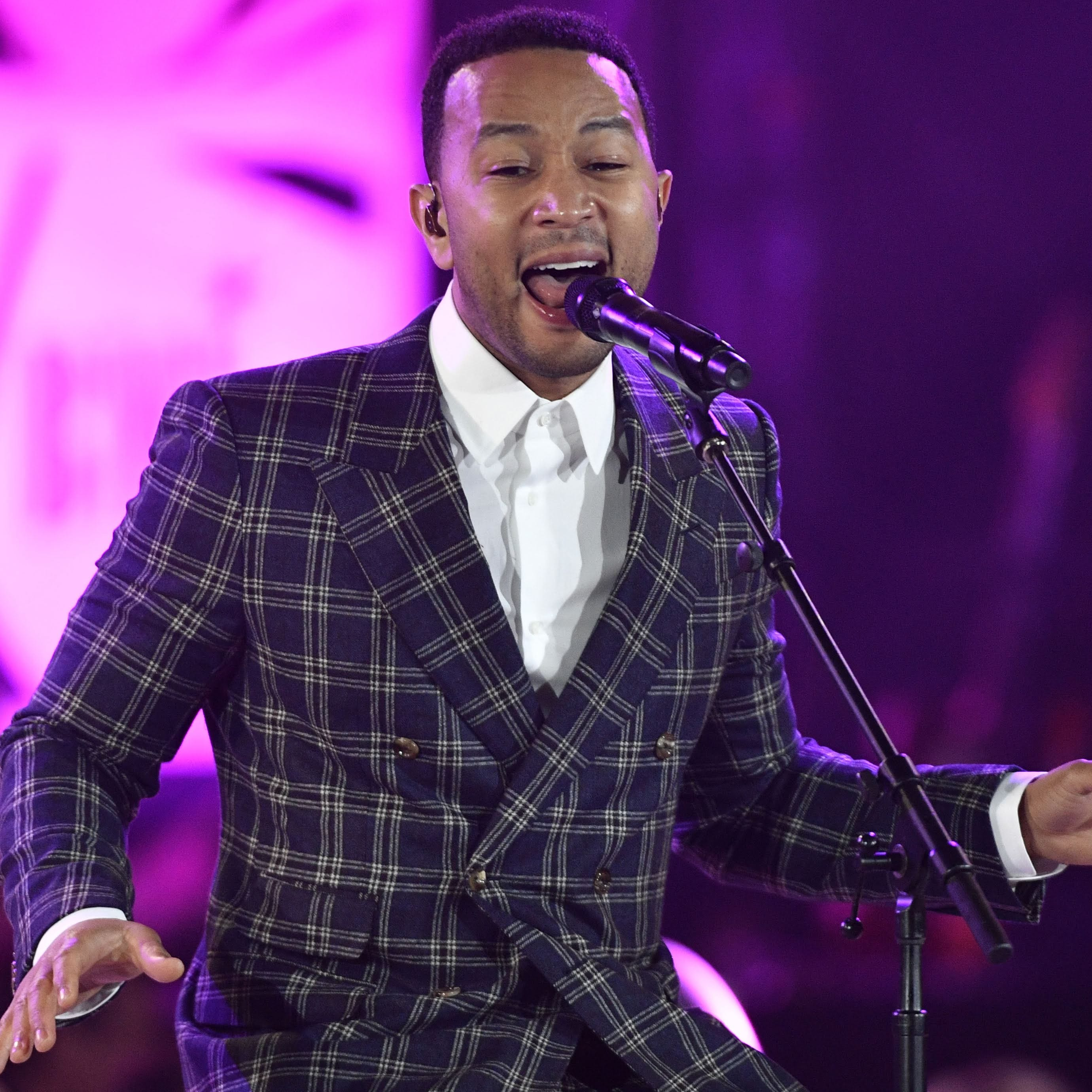 John Legend wants to spark memories of old-school holidays on 'A Legendary Christmas' tour