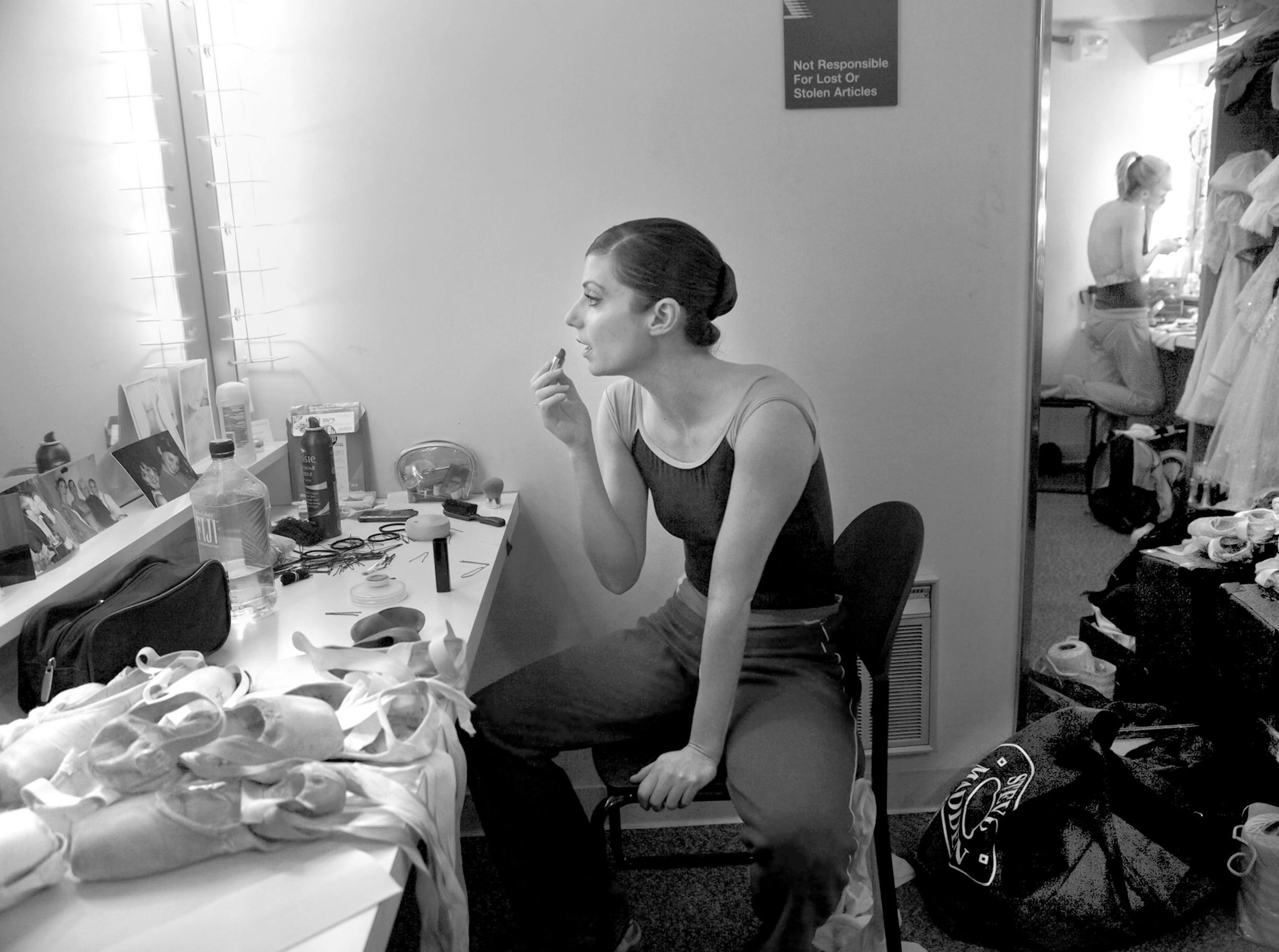 ORG XMIT: MJS0912191802329759 ORG XMIT: MJS0812051154290800 oneamong nws kwg 5--Milwaukee Ballet dancer Susan Gartell does her make-up in her dressing room before dancing in Saturday's performance of The Nutcracker at Marcus Center for Performing Arts in Milwaukee, December 19, 2009. Most dancers have grown up performing a variety of roles in The Nutcracker including Gartell who danced in her first Nutcracker performance at 9 years old.  Performances continue through Sunday, December 27. PHOTO: KRISTYNA WENTZ-GRAFF / KWENTZ@JOURNALSENTINEL.COM