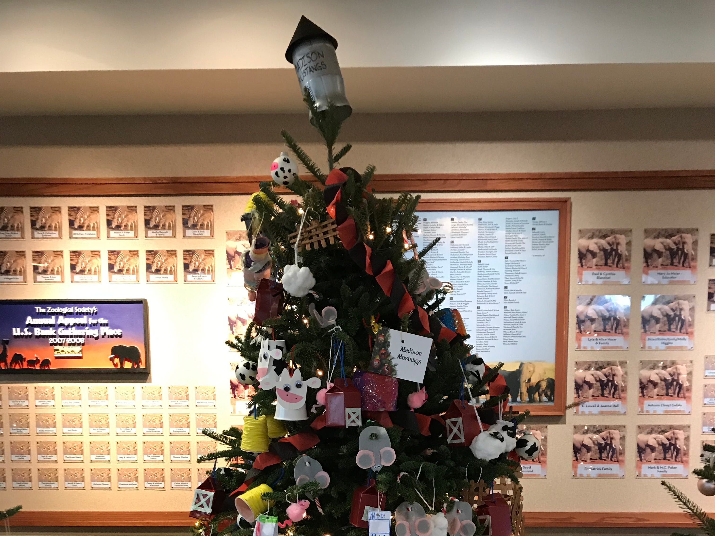 This tree, decorated by the Madison Mustangs, focuses on farm animals.