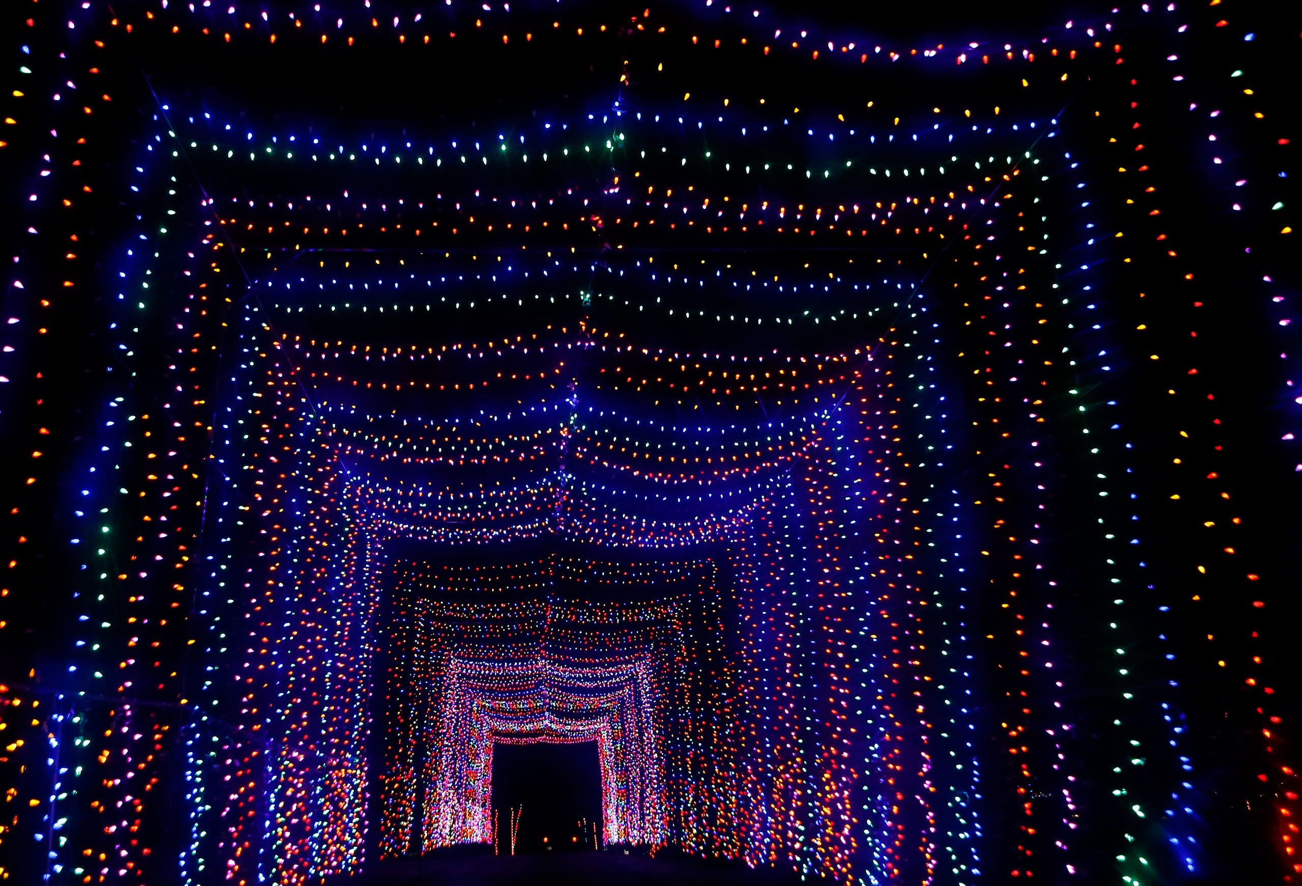 Drive Through Christmas Lights.Photos Country Christmas Lights Dazzle In Pewaukee