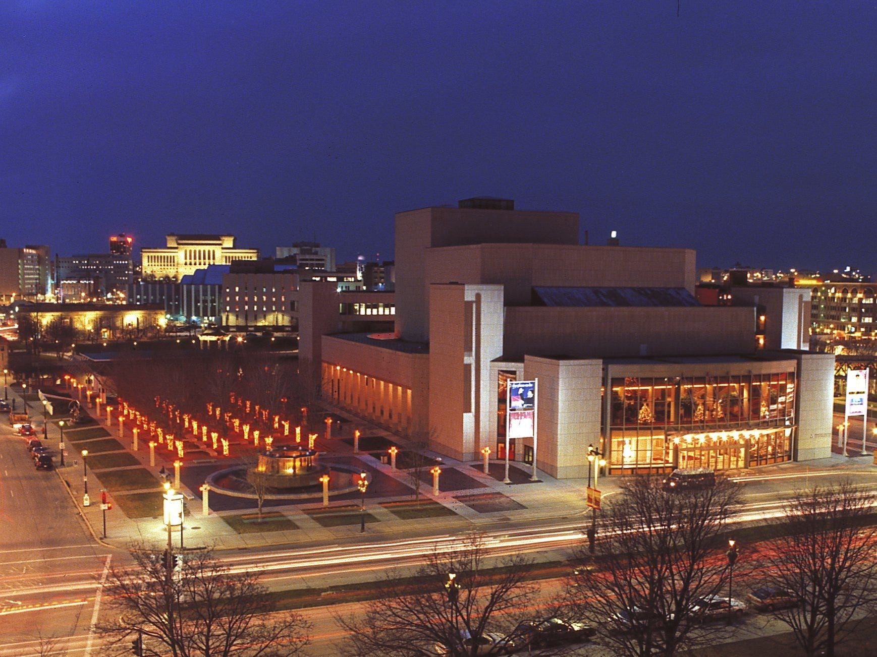 MARCUS CENTER FOR THE PERFORMING ARTS PREFERRED EVENING PHOTO