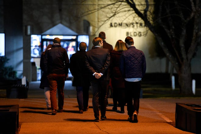 Members of the media walk towards Riverbend Maximum Security Institution before the execution of Tennessee death row inmate David Earl Miller on Thursday Dec. 6, 2018.