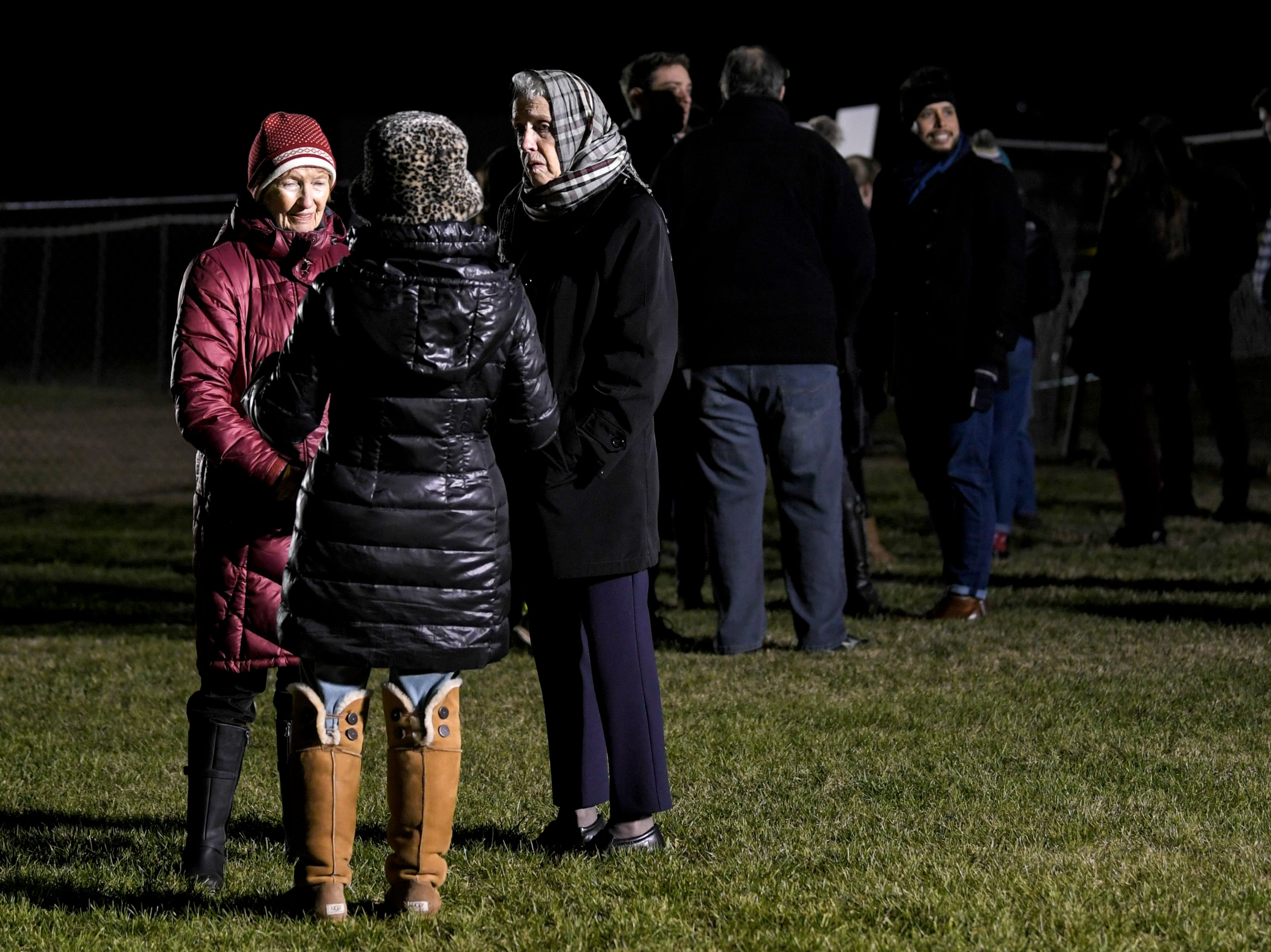 Protesters against the death penalty begin to arrive in a field outside Riverbend Maximum Security Institution before the execution of Tennessee death row inmate David Earl Miller on Thursday Dec. 6, 2018.