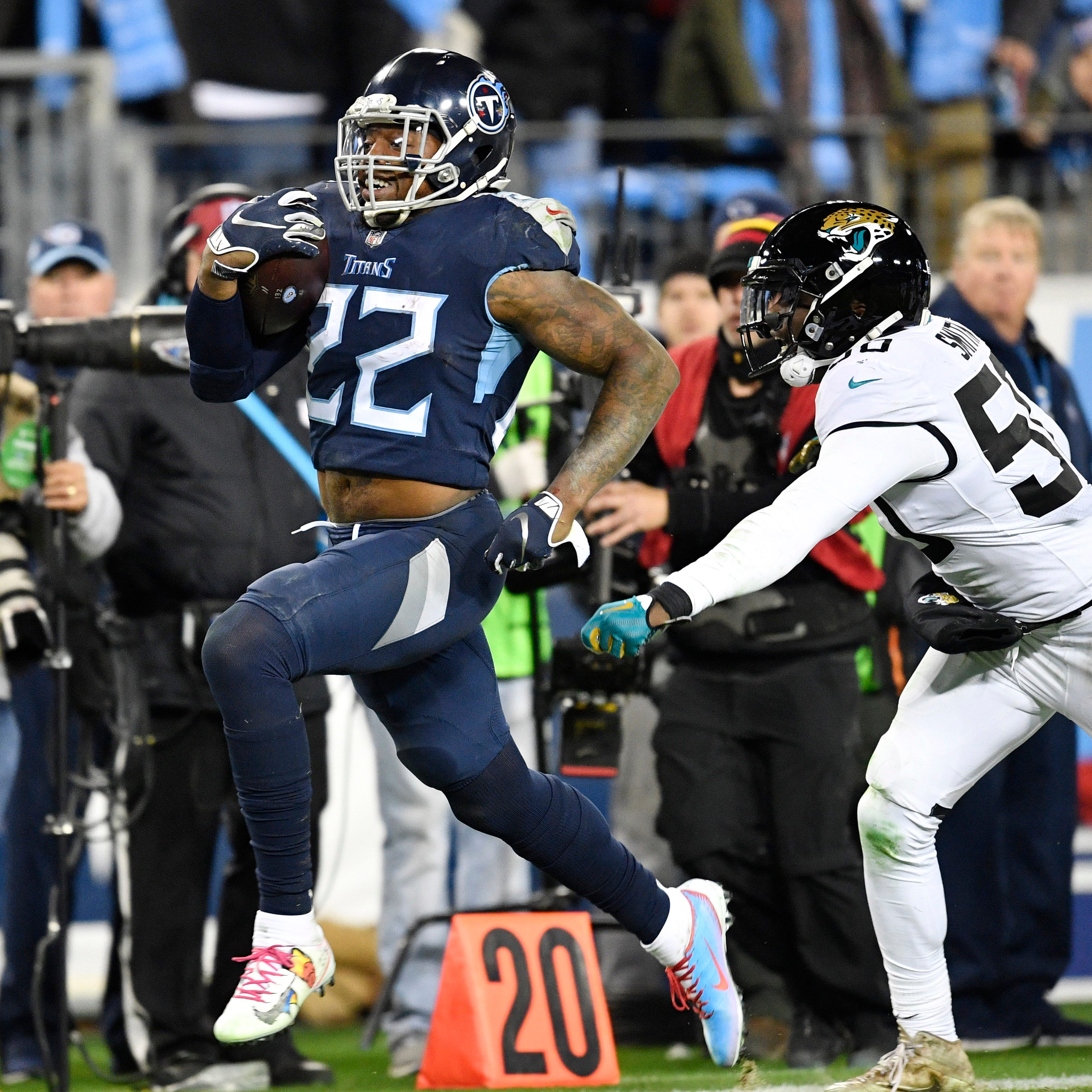 Titans' Derrick Henry stiff-arms his frustration, shows what he can be