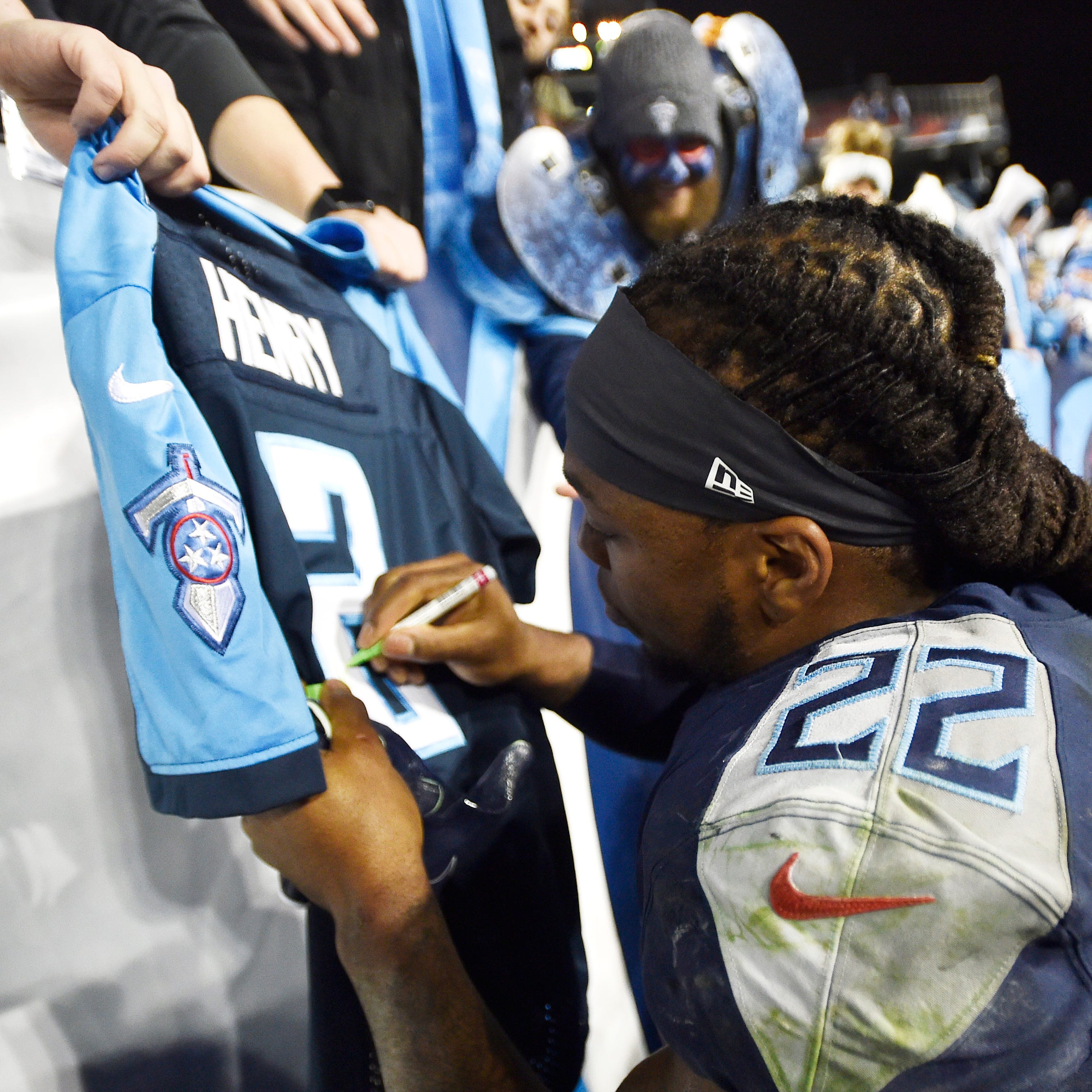Can Titans' Derrick Henry, AFC Offensive Player of the Week, keep it going vs. Giants?