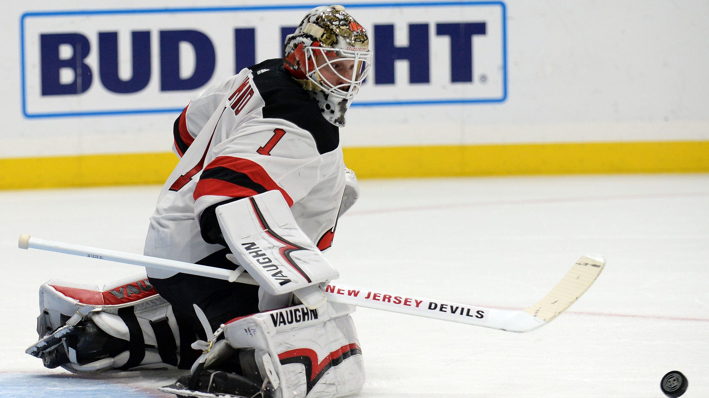 December 6, 2018; Los Angeles, CA, USA; New Jersey Devils goaltender Keith Kinkaid (1) blocks a shot against the Los Angeles Kings during the second period at Staples Center.