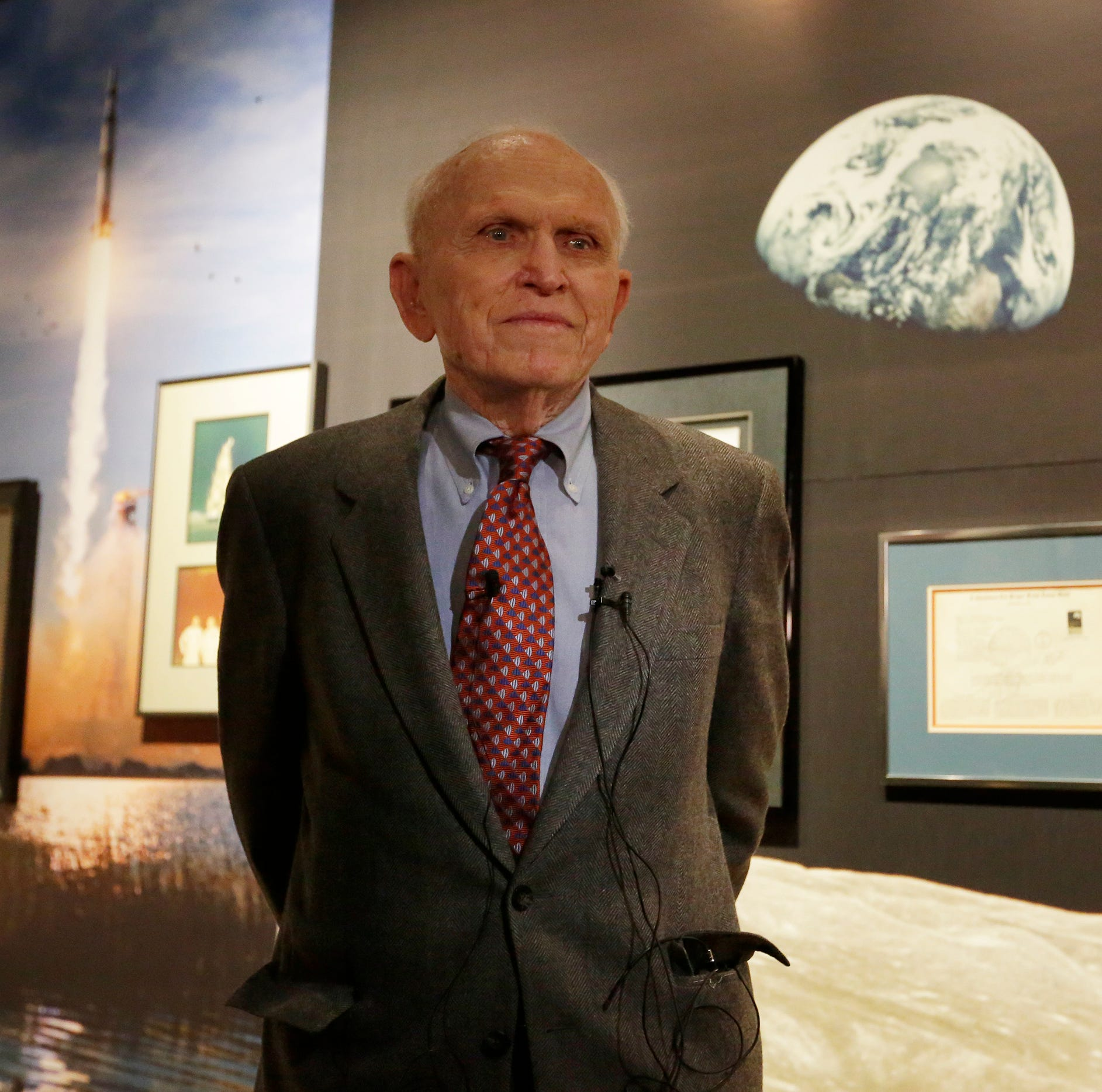 EAA opens exhibit on Frank Borman, commander of Apollo 8