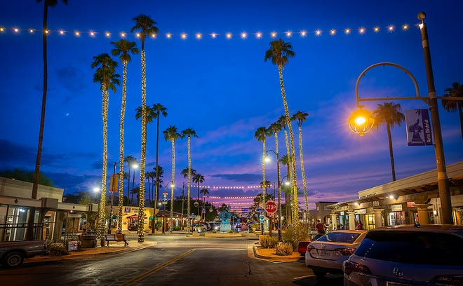 During the Scottsdazzle Gold Palette Art Walk, visitors can explore Old Town Scottsdale's art galleries.