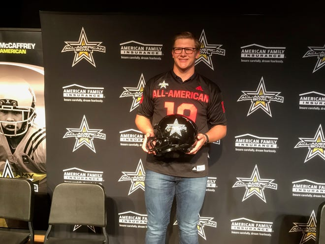 Ty Robinson received his High School Football All-American Bowl jersey on Friday, Dec. 7, 2018.