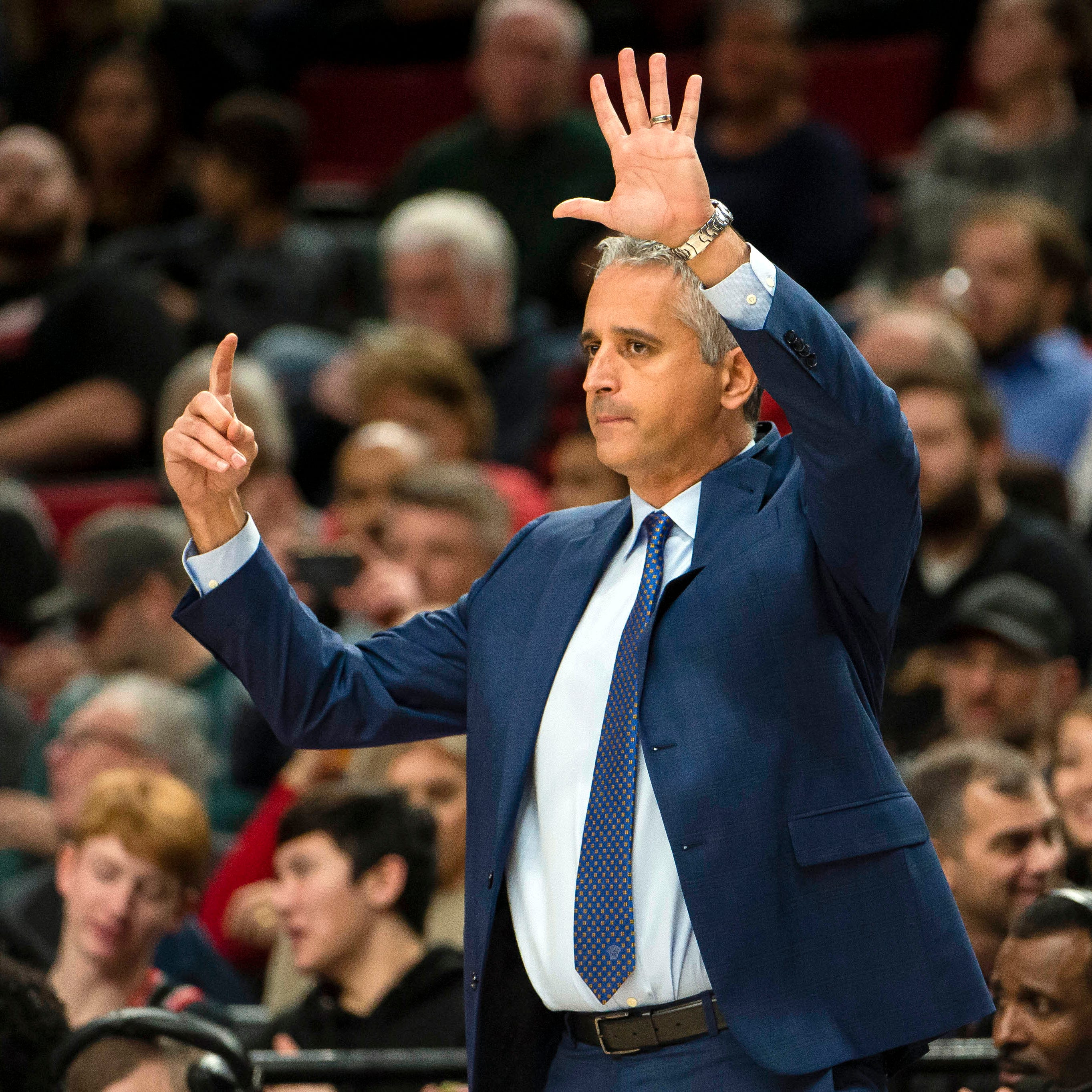 Igor Kokoskov trying to push the Suns past their franchise-worst start