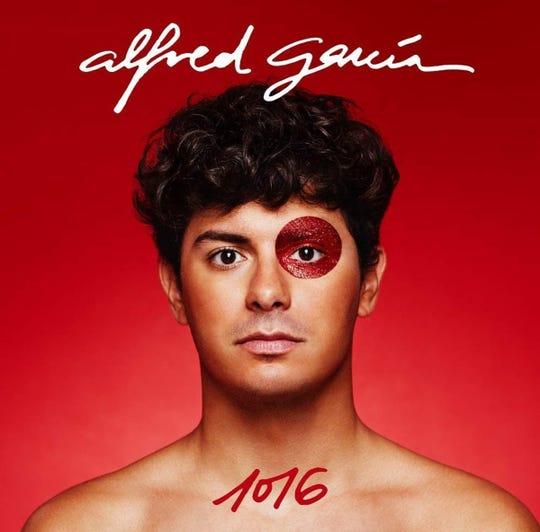 """La portada de """"1016"""" el álbum debut de Alfred García."""