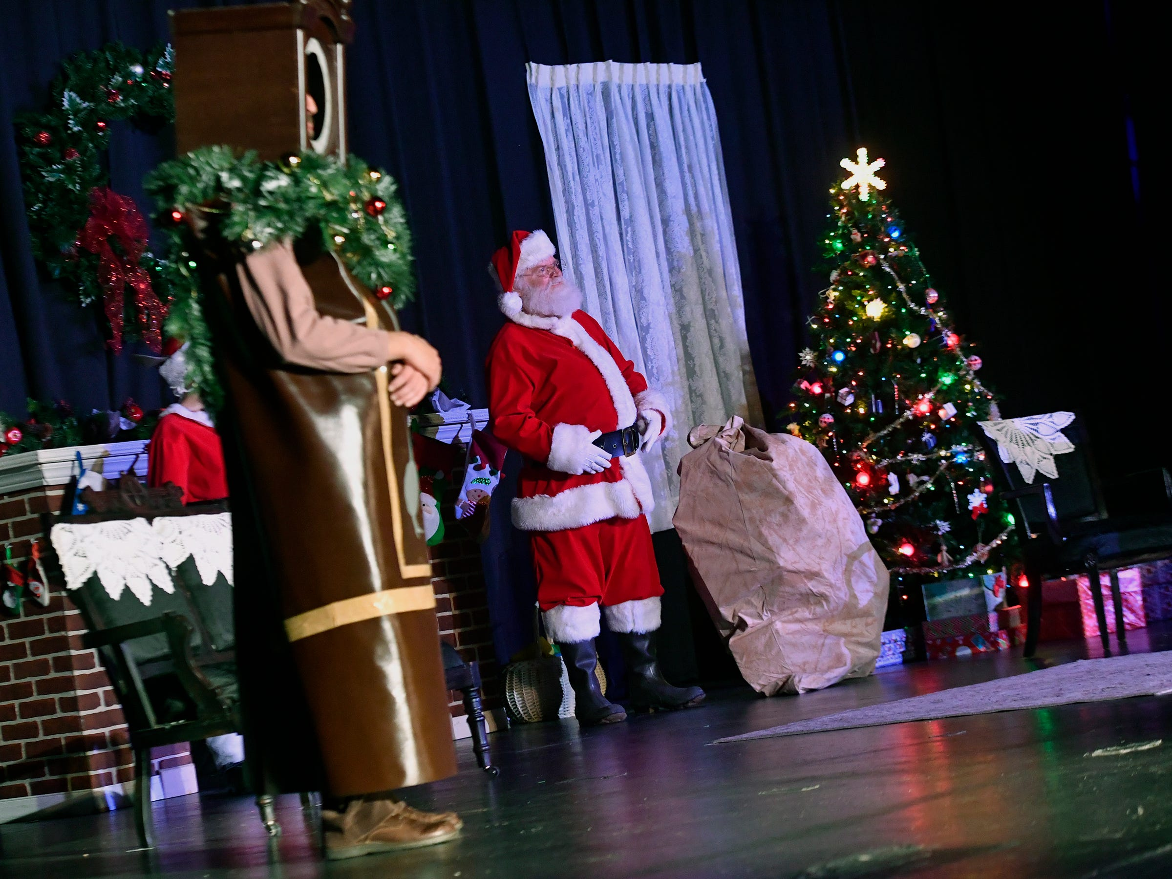 Theater Arts for Everyone is performing The Night Before Christmas this weekend at The York Learning Center. Show times are Dec. 7 & 8 at 7 p.m. and Dec 8 & 9 at 3 p.m.  Tickets are available at the door or through Eventbrite. Thursday, December 6, 2018. John A. Pavoncello photo