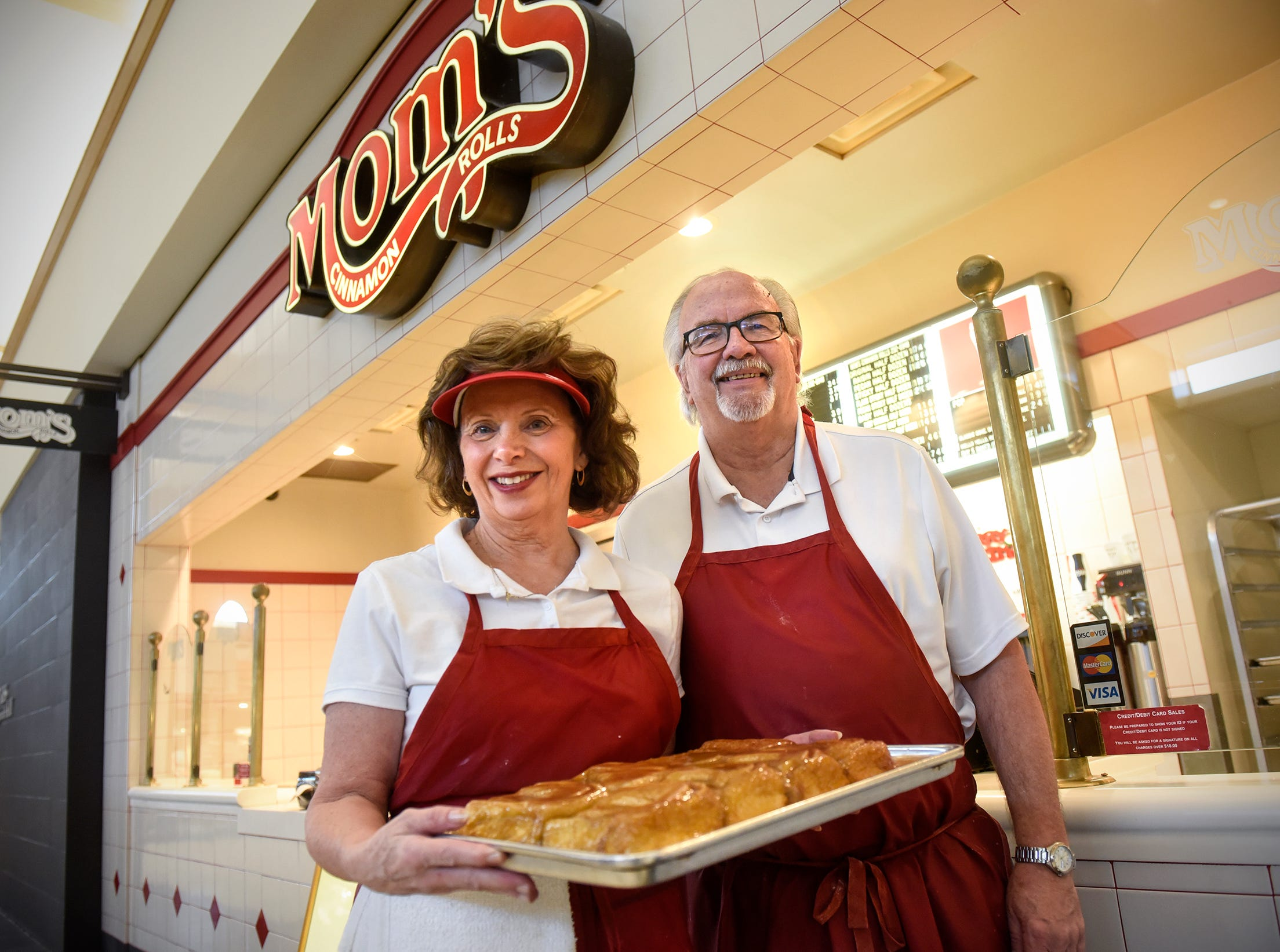 After 30 years of sweet treats, Mom's Cinnamon Rolls in Crossroads Center to close
