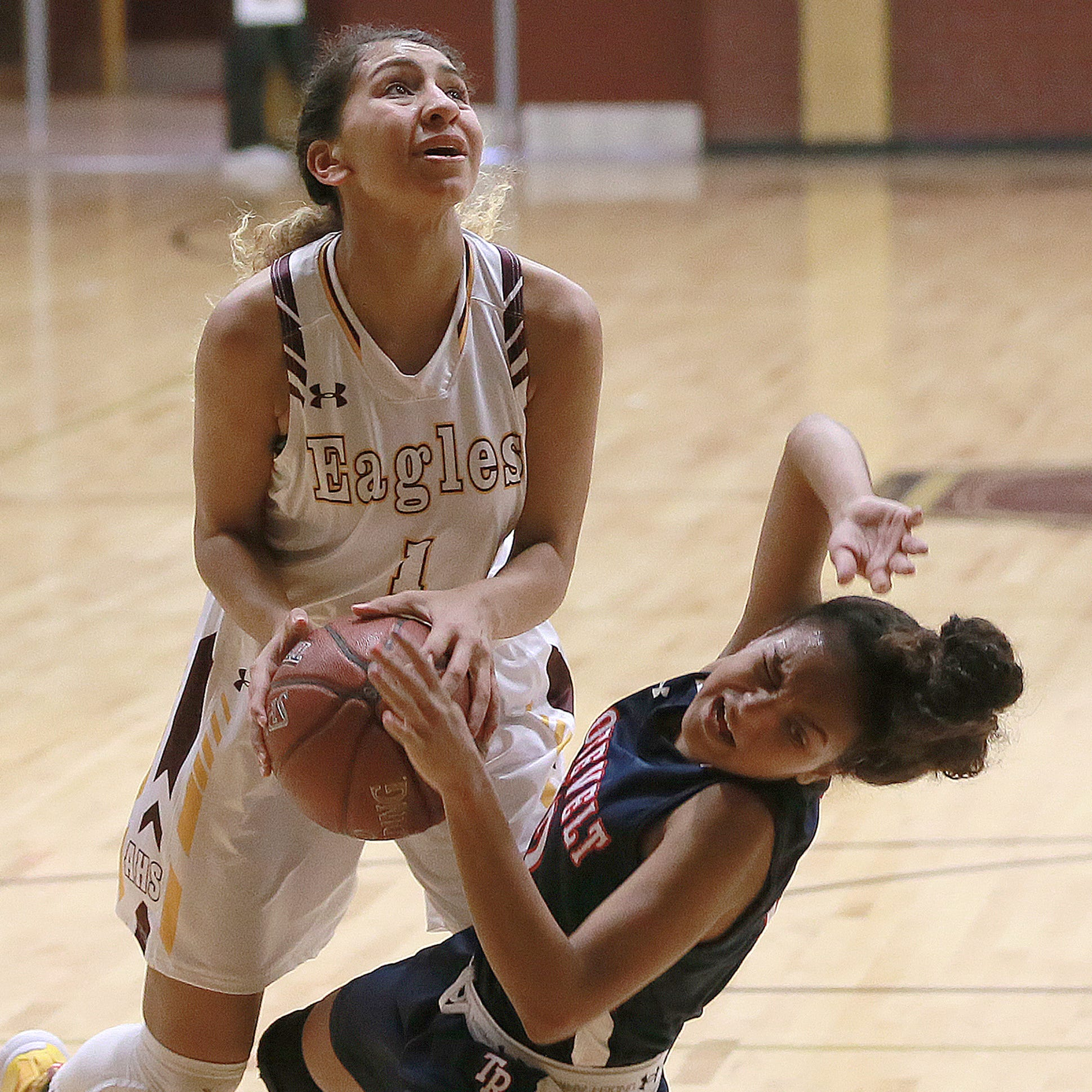 Andress defeated San Antonio Roosevelt in the McDonald's Basketball Classic, 54-20.