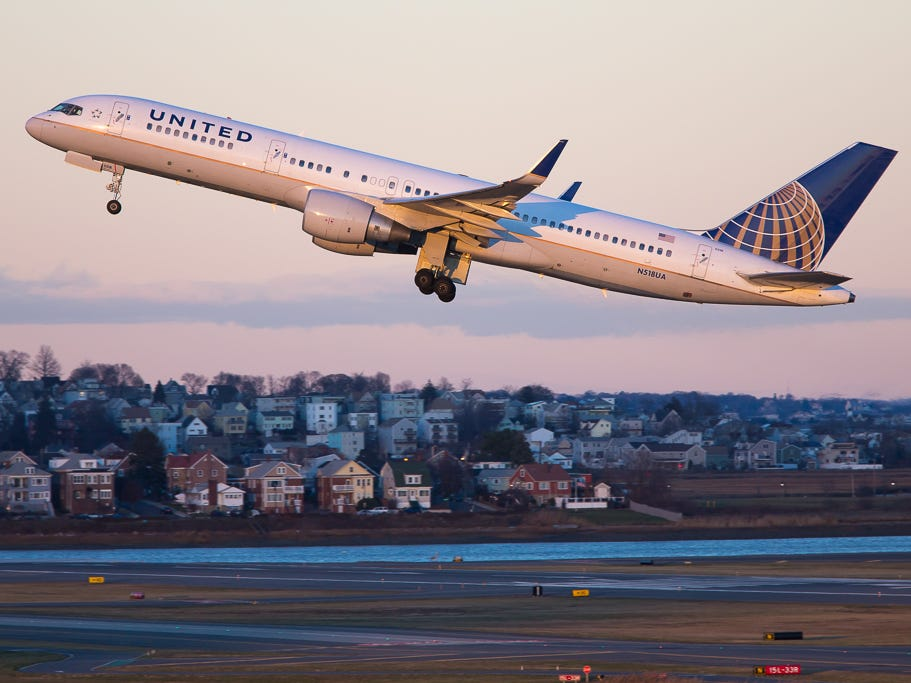 A United Airlines Boeing 757-200 takes off for the west coast from Boston Logan International Airport in December 2018.