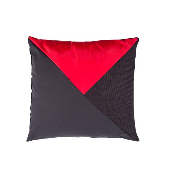 Another Looptworks option comes from Delta flight attendant uniforms, which have been refashioned into Delta pillows.