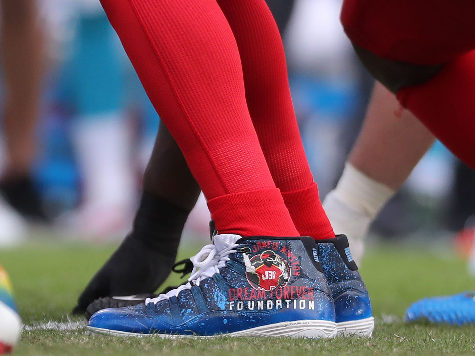 Tampa Bay Buccaneers quarterback Jameis Winston cleats at the line of scrimmage during the first quarter at Raymond James Stadium.