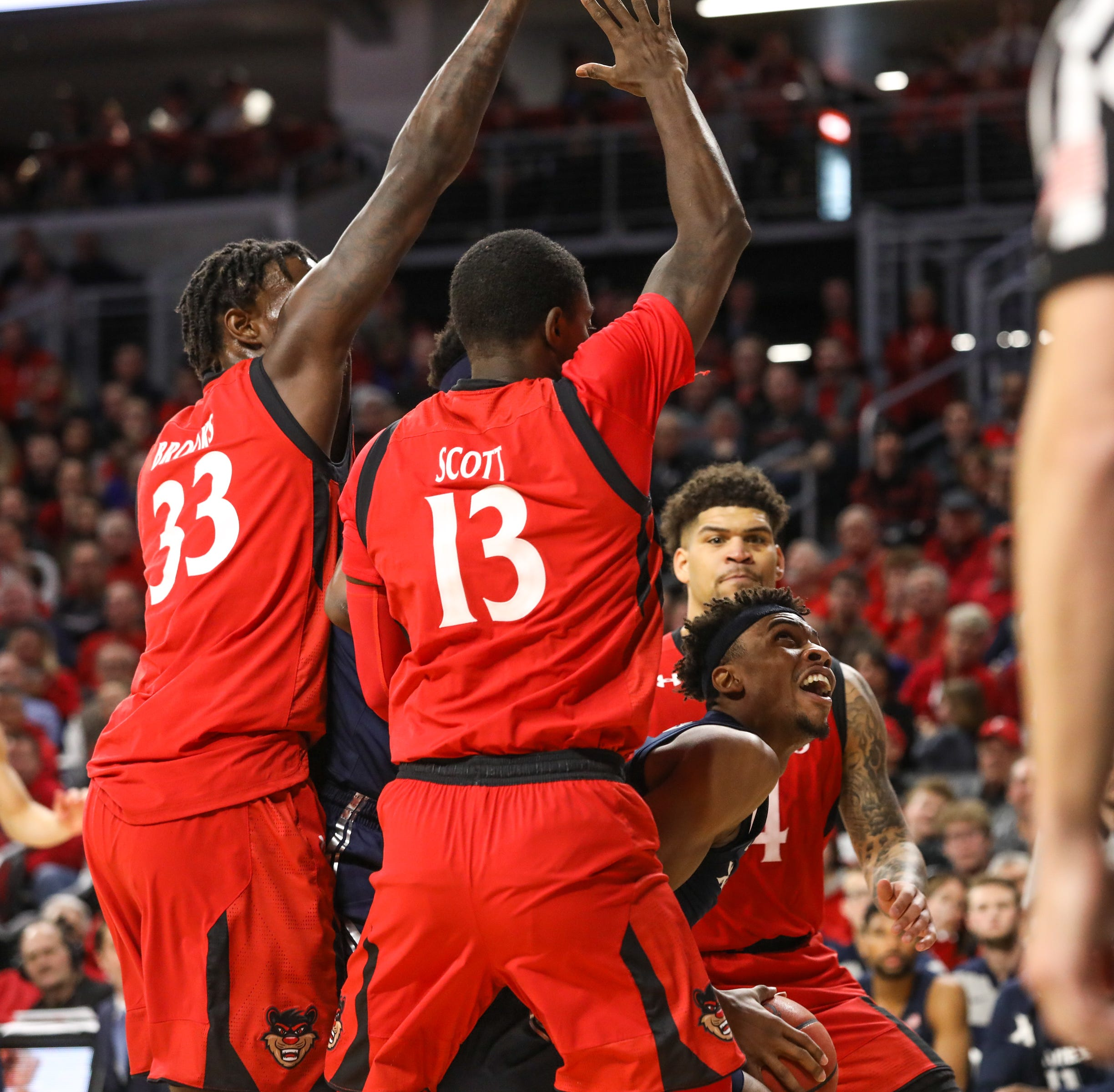 Daugherty: UC defense was dominant in Crosstown Shootout