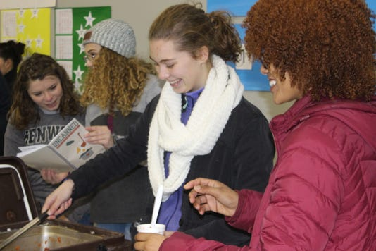 Lead United Students Serve Stew