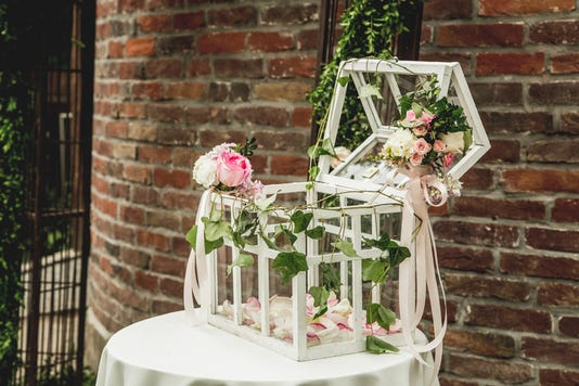 Florist At Work How To Make Wedding Decoration With Vintage Birdcage And Fresh Flowers