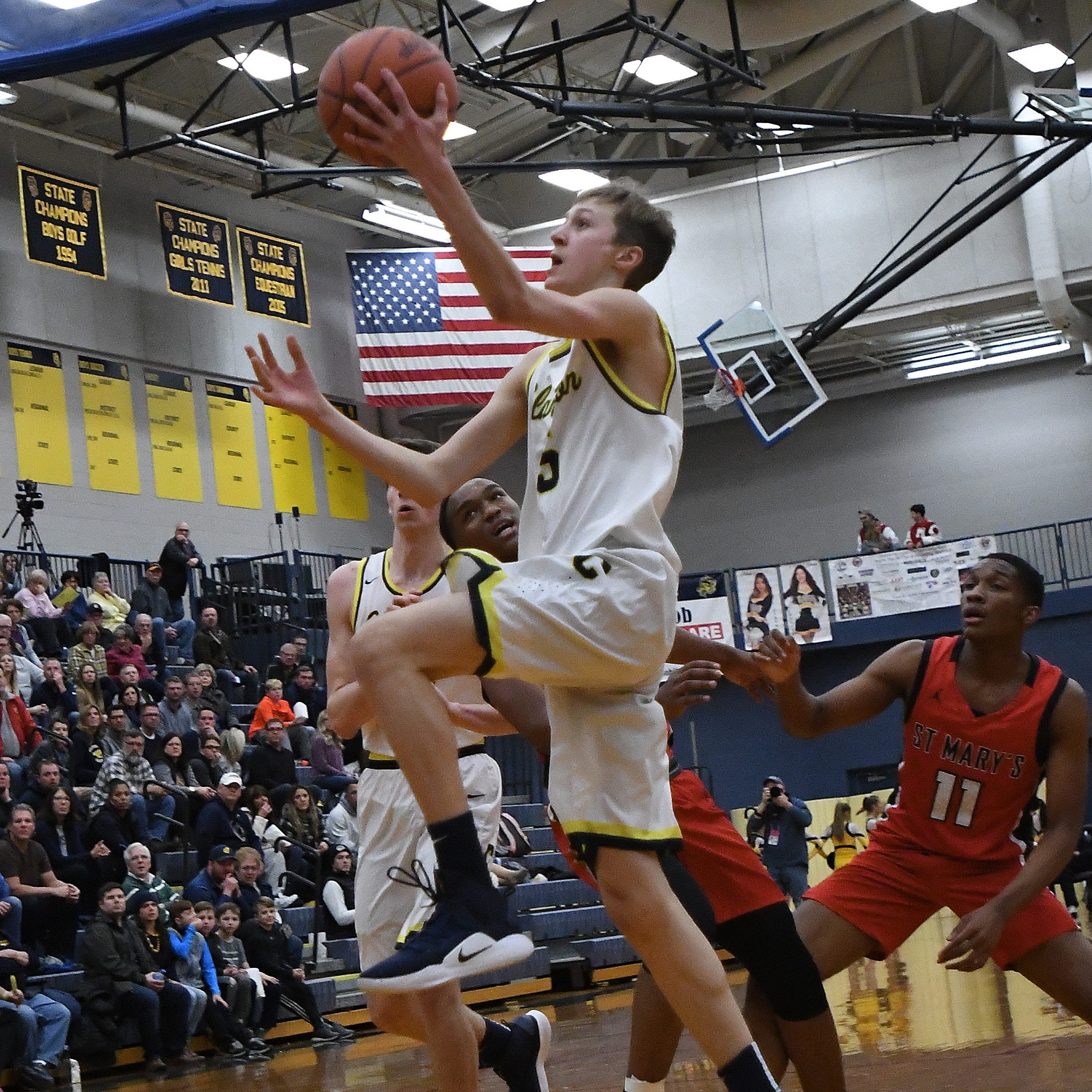 Friday's preps: Fletcher Loyer excels in Clarkston's win over Wayne