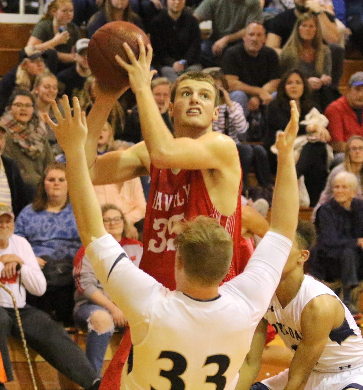 Scott Woodring scores 41 as Waverly holds off Notre Dame in boys hoops