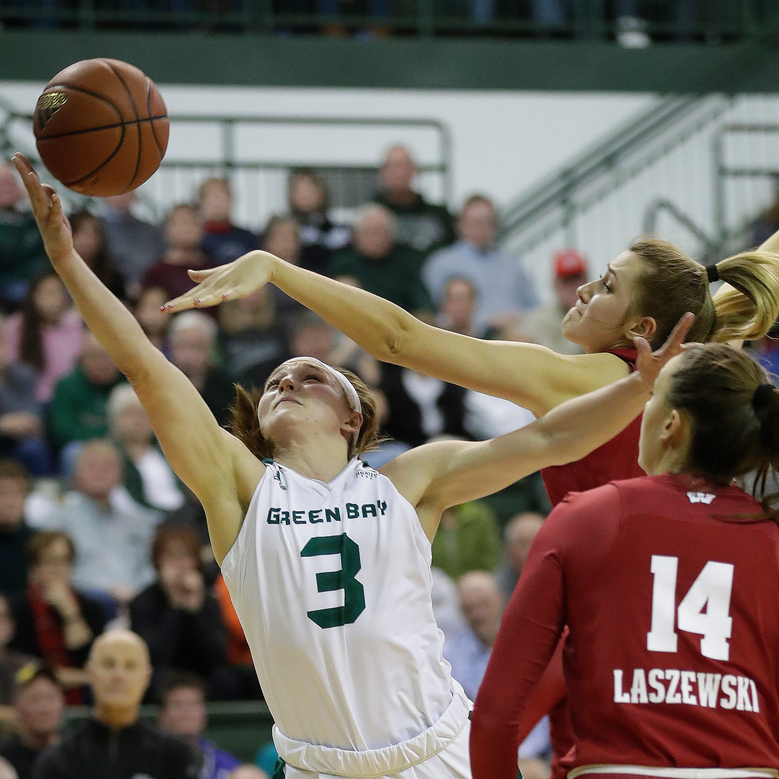 UWGB women: Phoenix takes down Wisconsin