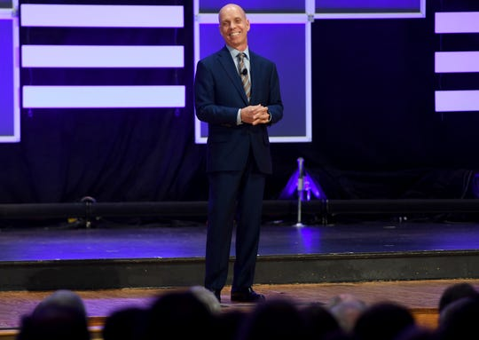 Olympic Gold Medalist Scott Hamilton was the guest speaker for Freed-Hardeman's 2018 Benefit Dinner, Friday, December 7.