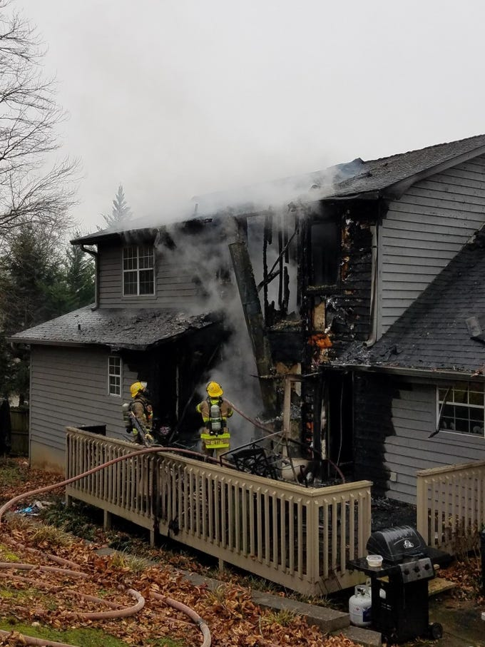 Crews from Rural Metro responded to a house fire on Sierra Vista Lane in West Knox County on Saturday in which no one was injured.
