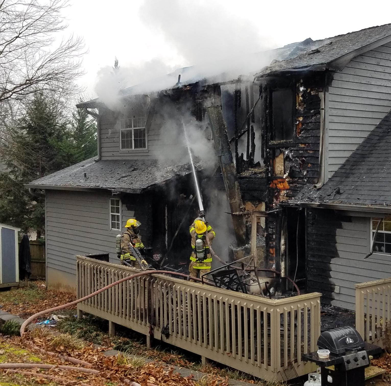 Occupants and pets spared in house fire in West Knox Co.