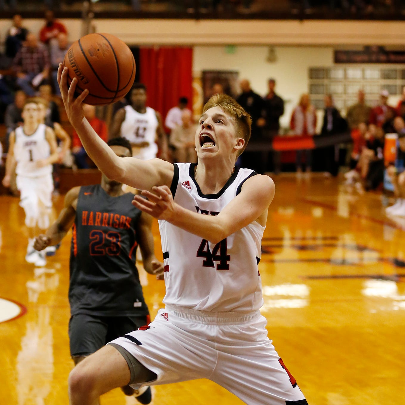 Lafayette Jeff stays undefeated, tops Harrison