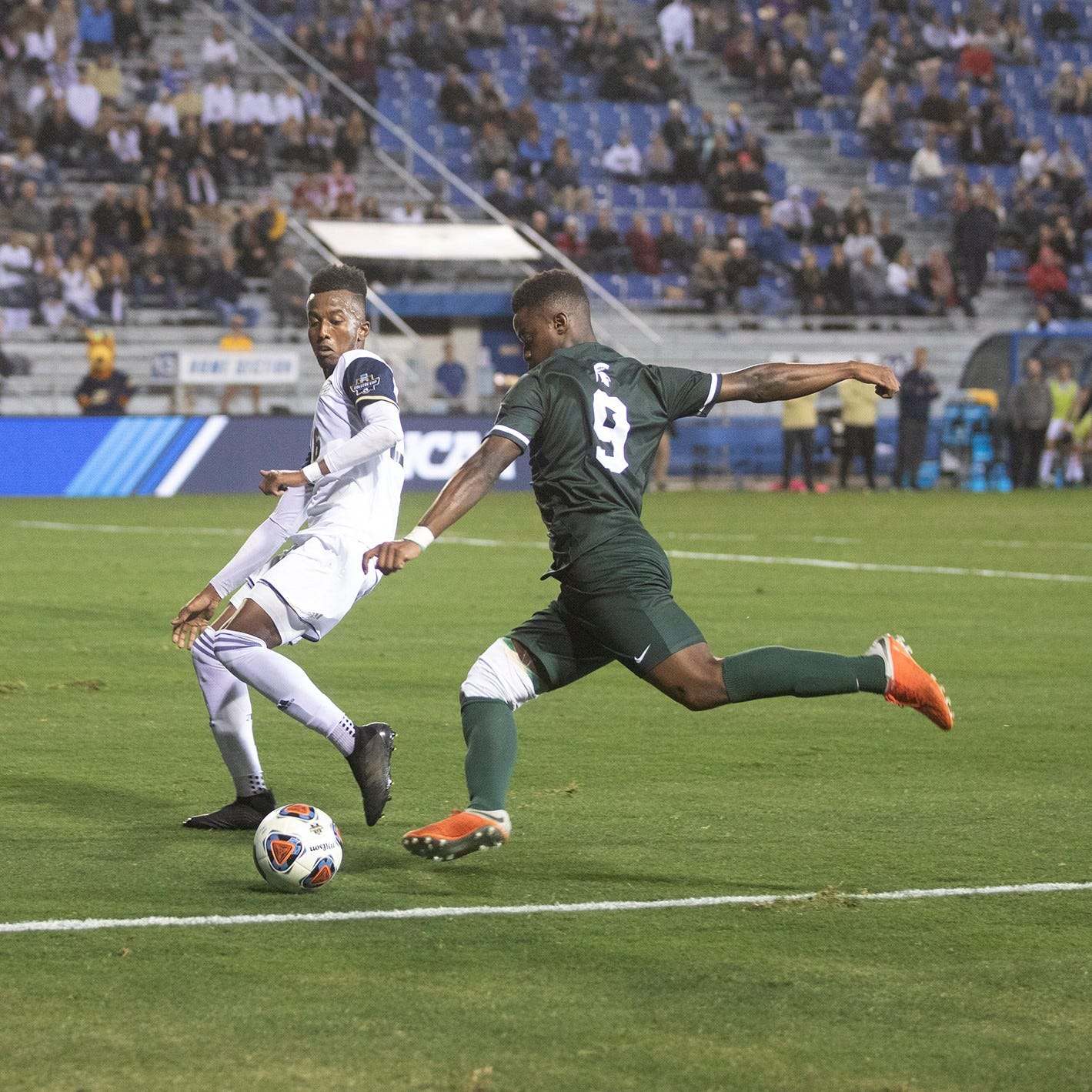 College Cup: Akron routs Michigan State, 5-1, in NCAA tournament national semifinals
