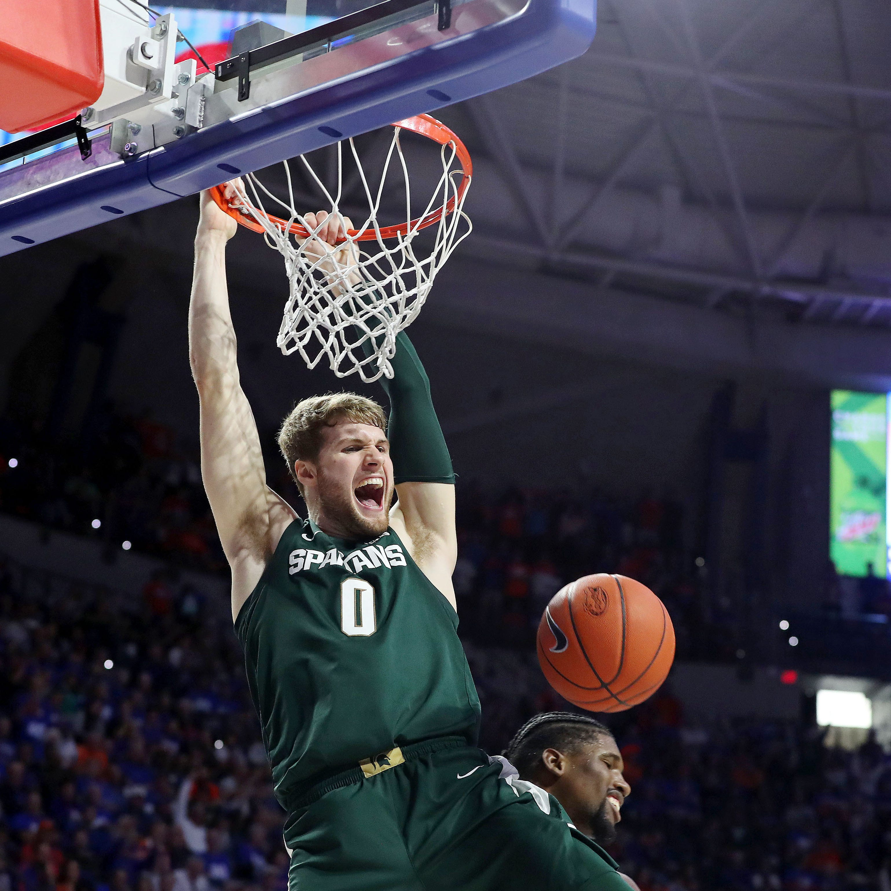 Watch: Kyle Ahrens' dunk beats shot clock, seals Michigan State's win over Florida
