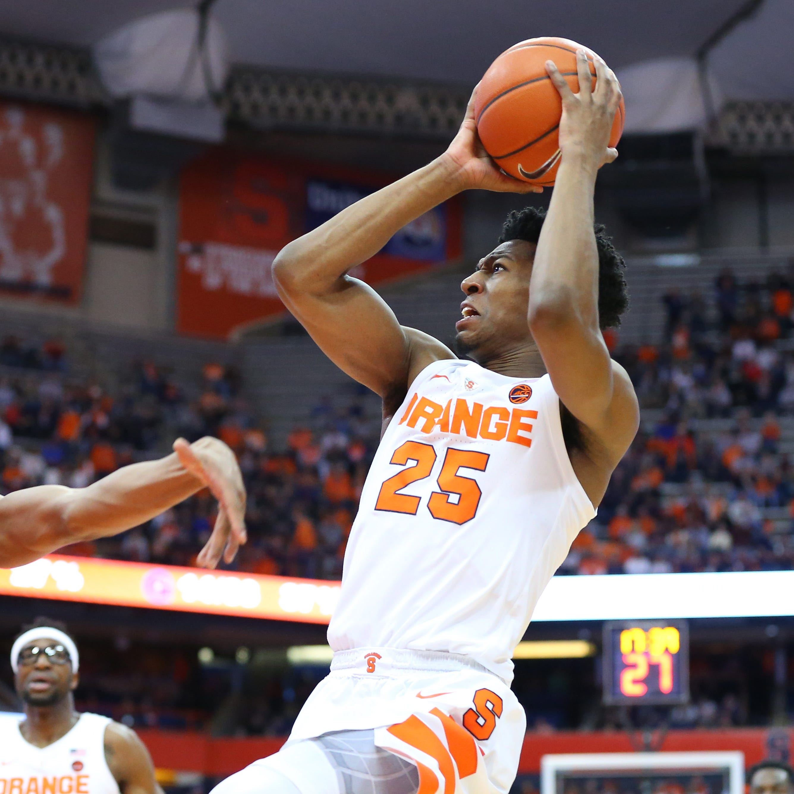 Tyus Battle's late shot lifts Syracuse over Georgetown